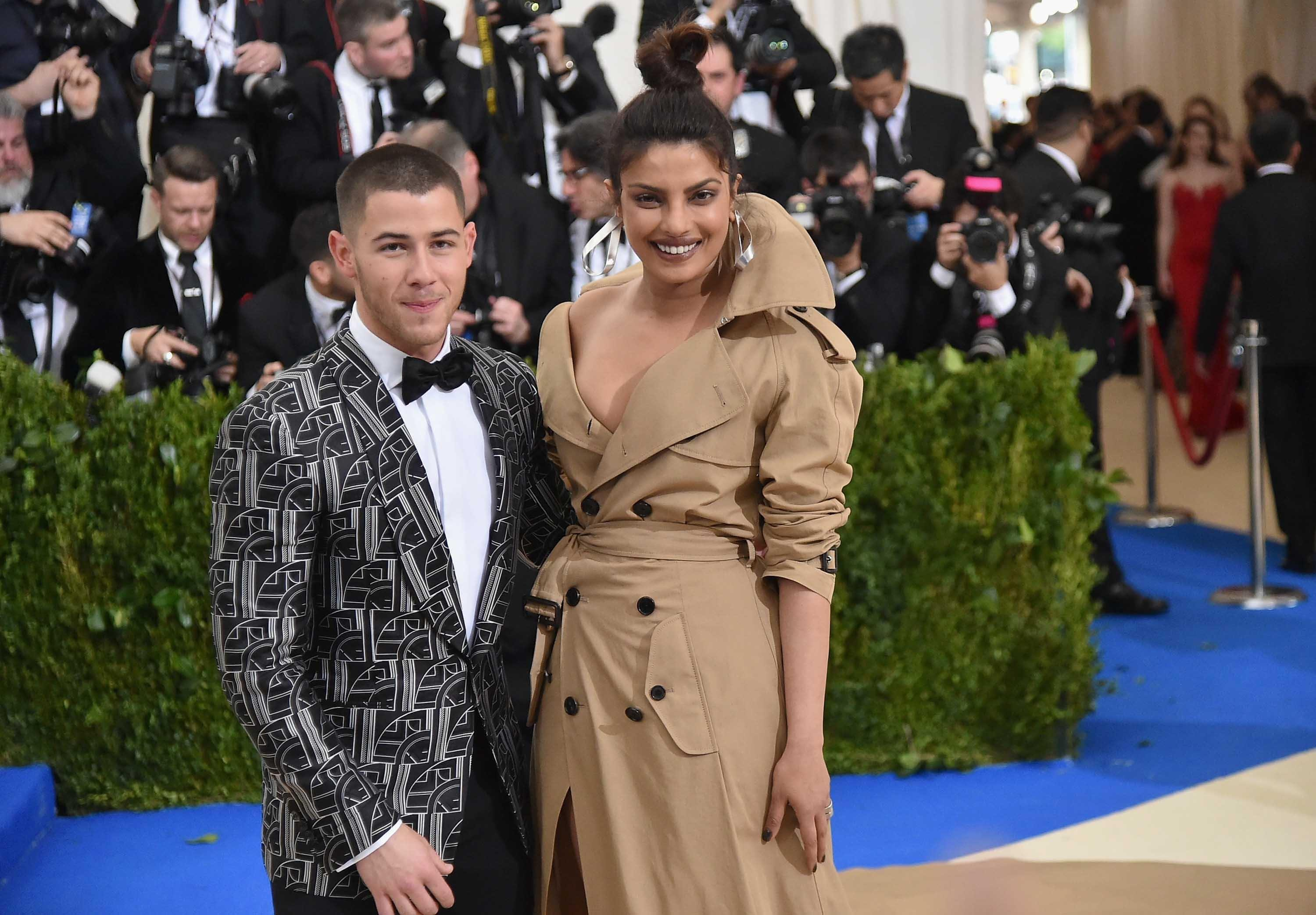 Nick Jonas & Priyanka Chopra Confirm Their Engagement On Instagram