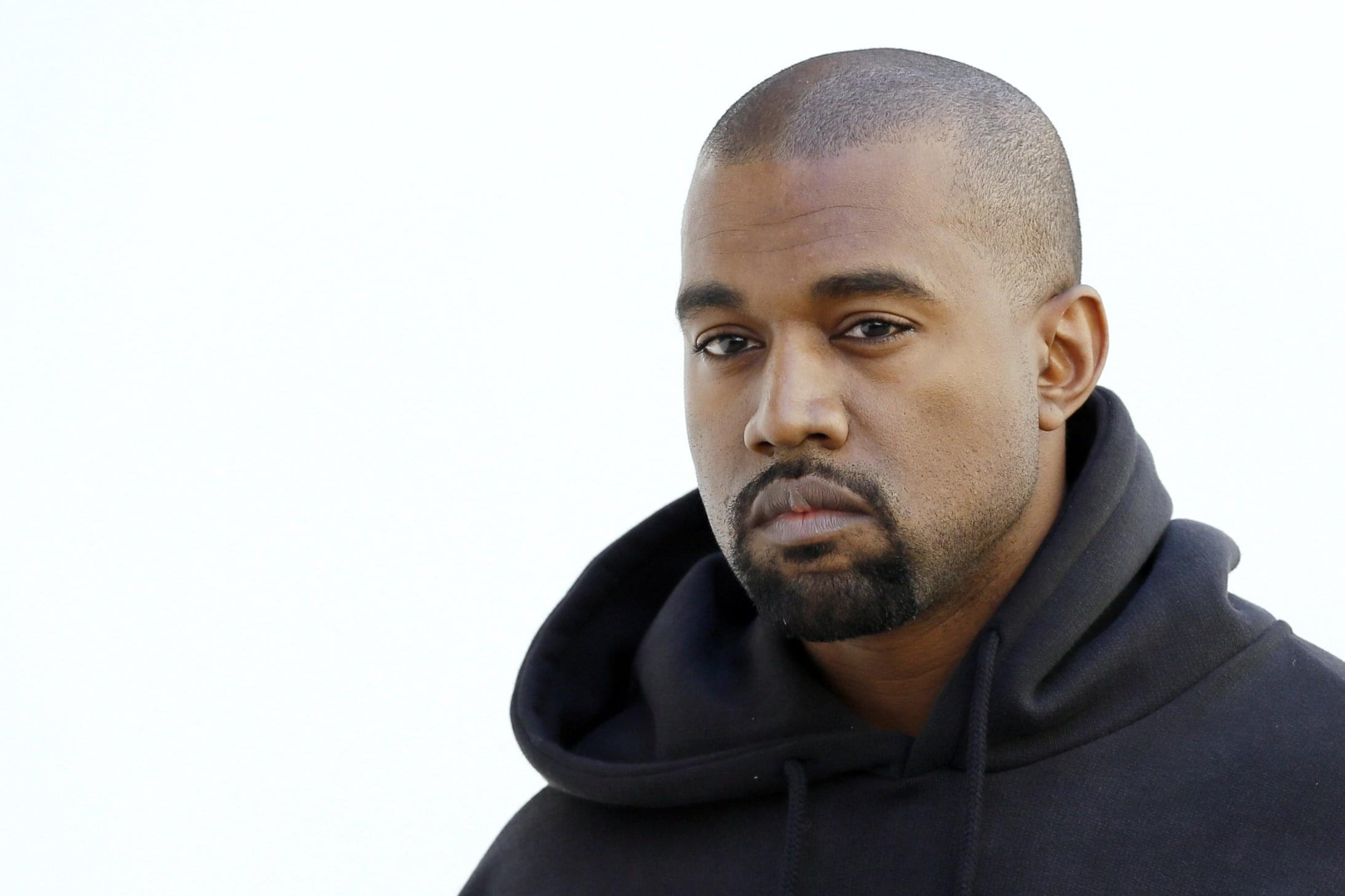 Kanye West Shares Texts With Caitlyn Jenner