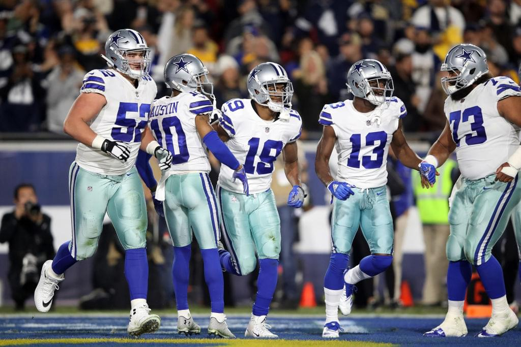 Prescott lightens Elliott's load as Cowboys top Giants 35-17