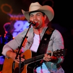 Dustin Lynch Hurricane Harvey Relief Concert