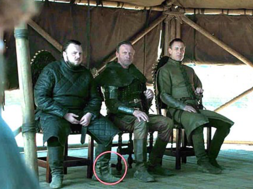 The Final Game of Thrones Blooper – The Plastic Water Bottle