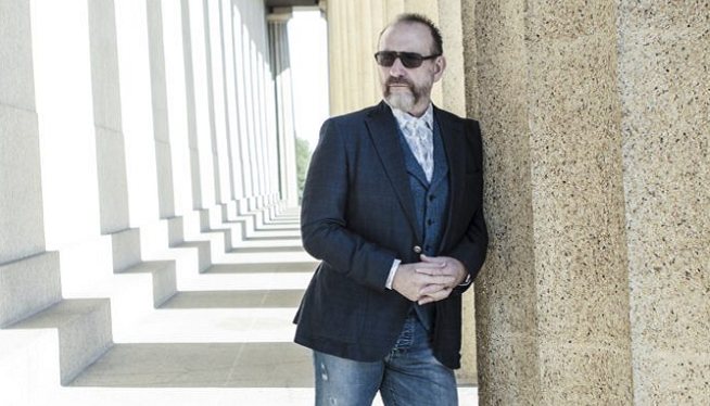 Colin Hay is a Man Back at Work