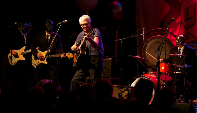 6/26/18 – Nick Lowe With Los Straitjackets at Saint Andrews Hall