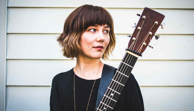 3/20/19 – Molly Tuttle at The Ark