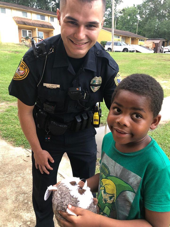 This 6 Year Old Called 911 Because He Needed A Friend