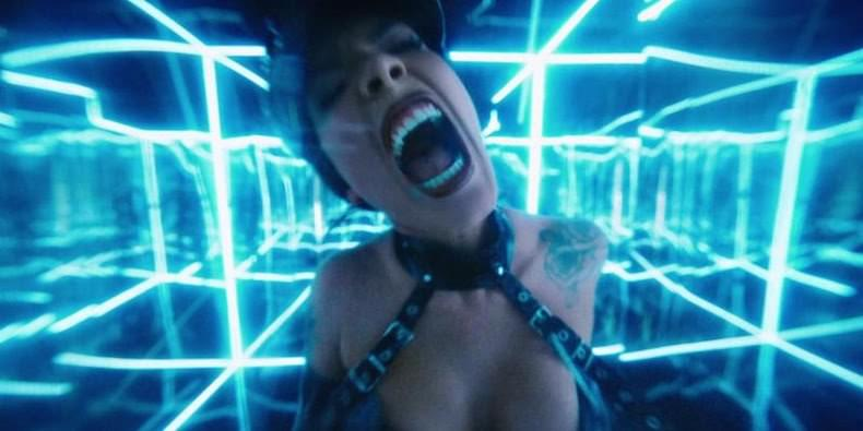 "Halsey's New Anthem ""NIGHTMARE"" Is EVERYTHING!"