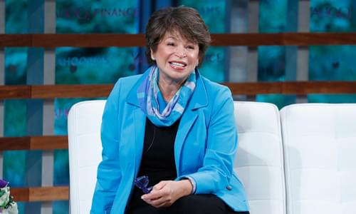NYT Rewards Poorly Ranked Valerie Jarrett Book With Spot on 'Best Sellers' List