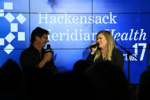 Kelly Clarkson LIVE from Stage 17! [Exclusive Video/Photo]