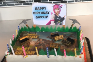 Johnny's surprise Fortnite birthday cake for Gavyn!