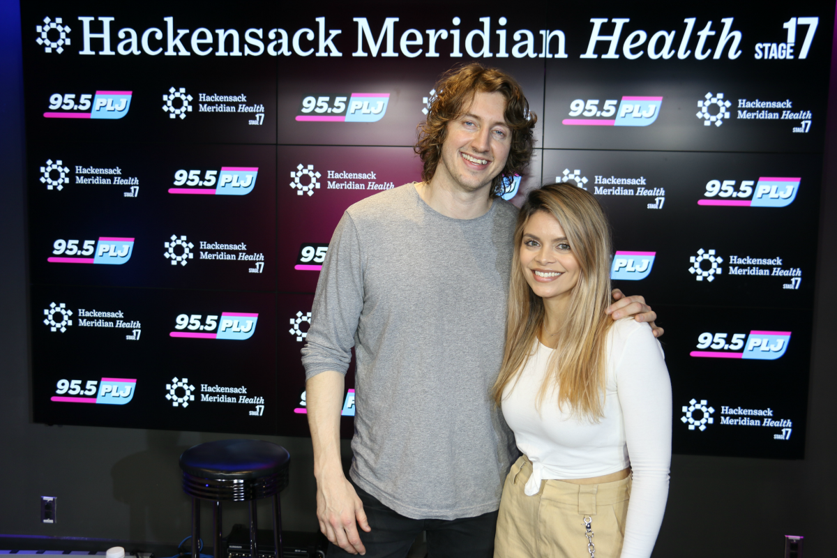Dean Lewis LIVE from HMH Stage 17! [Exclusive Video]