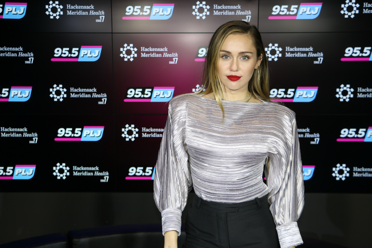 Miley Cyrus Interview LIVE from HMH Stage 17! [Exclusive Video]