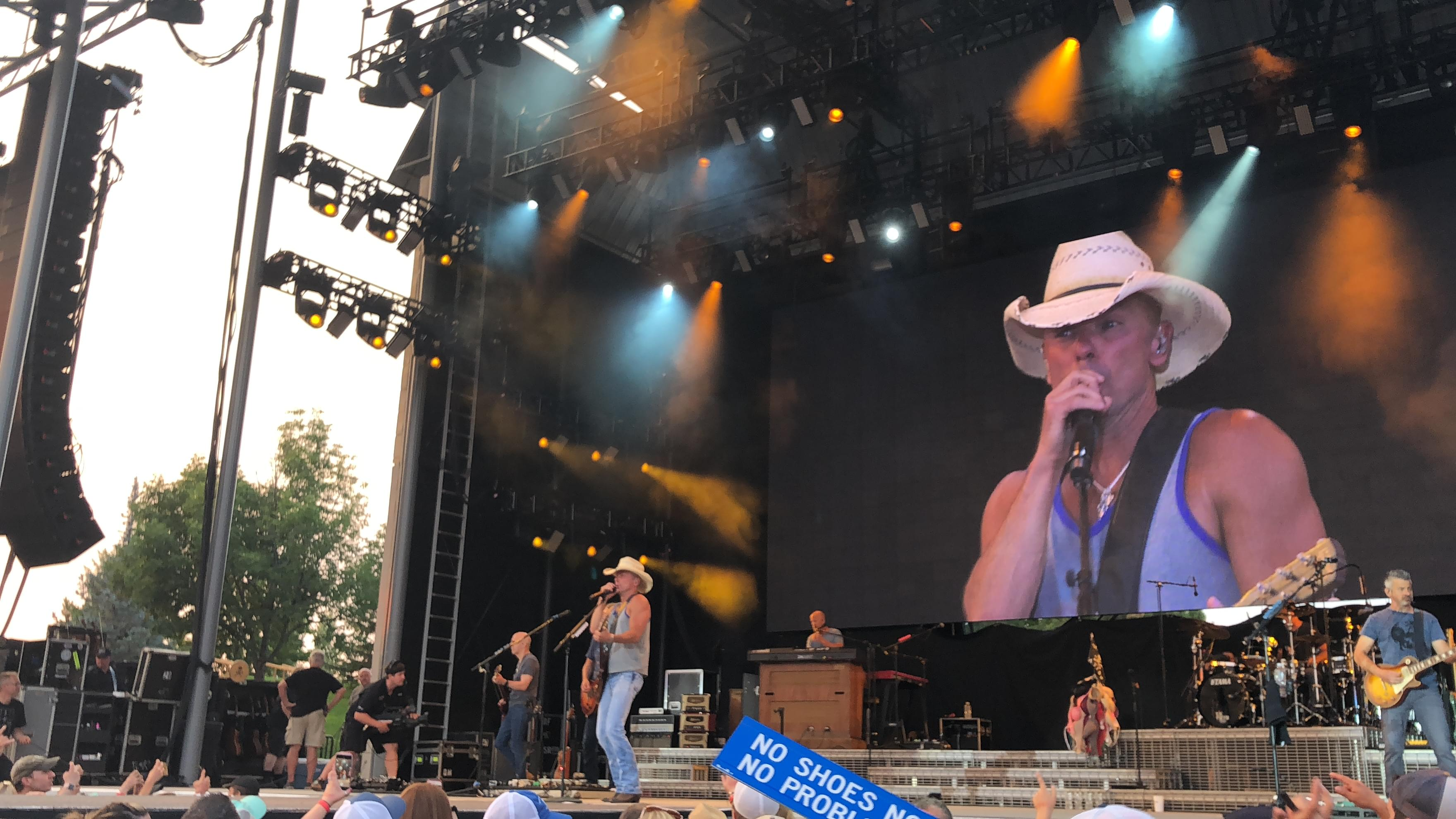 Pictures from Kenny Chesney – Trip Around The Sun Tour!