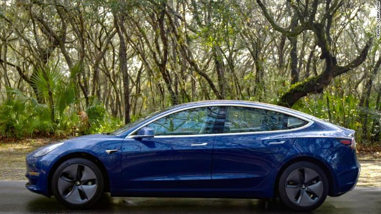 Tesla cuts jobs to offset Model 3 cost