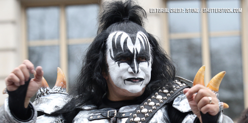 GENE SIMMONS WON'T ALLOW EX KISS MEMBERS TO WEAR MAKEUP AT SHOWS