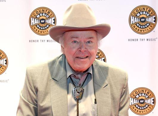 Roy Clark, Country Guitar Virtuoso, 'Hee Haw' Star, Has Died At 85