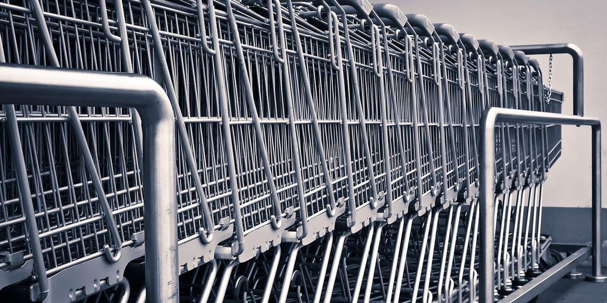 WFPD: Woman Ride Electrical Cart, Drinks Wine From Chip Can