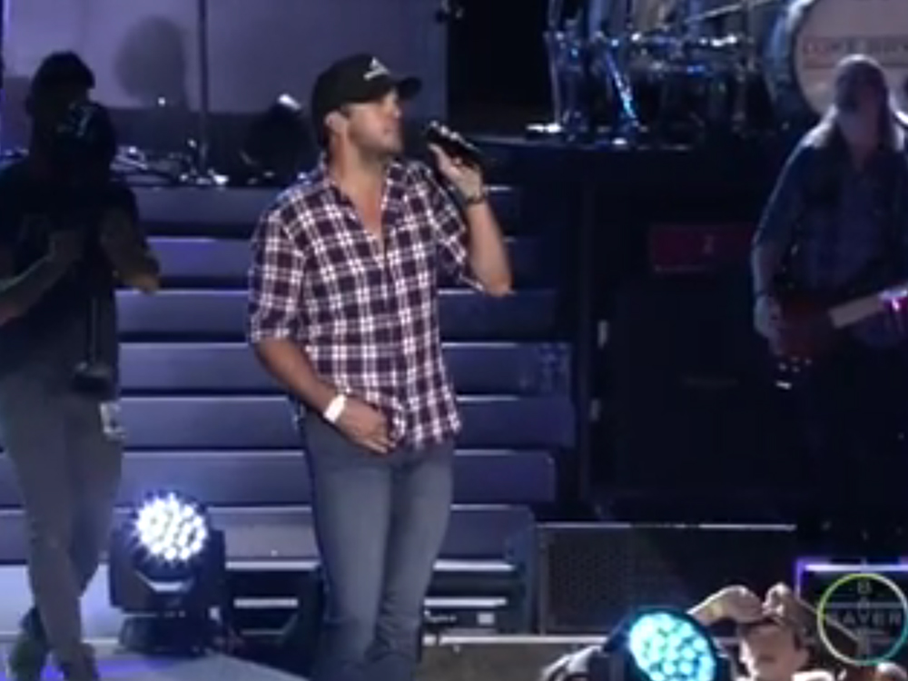 The Show Must Go On! Luke Bryan Performs With a Broken Collarbone After Bicycle Accident
