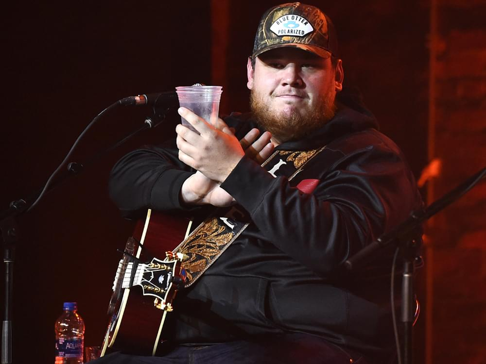 """Luke Combs' """"Beautiful Crazy"""" Is No. 1 for 7th Straight Week [1 Week From the Record]"""