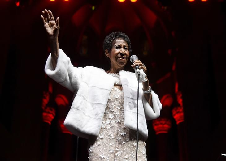 Aretha Franklin Is 'Gravely Ill,' Say Singer's Friends