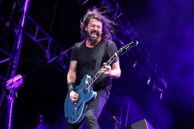 Rock God Dave Grohl Chugs Beer, Falls Off Stage At Foo Fighters Show
