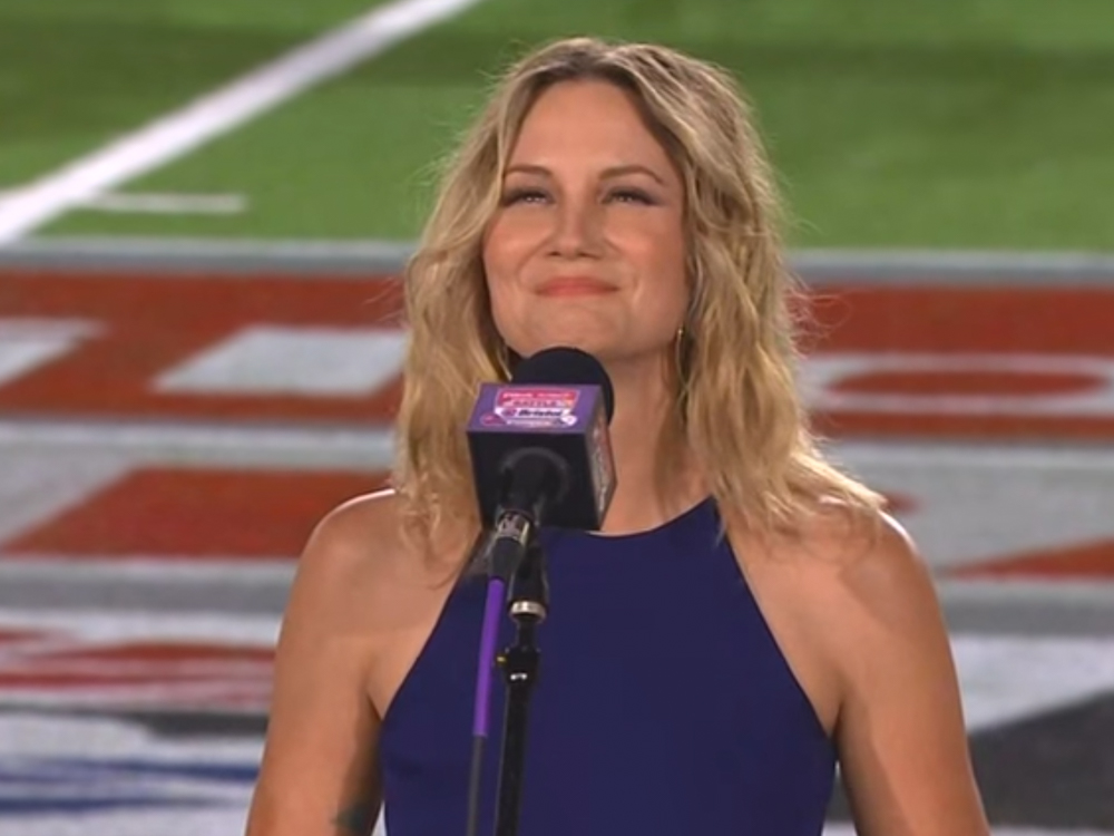Vols Win Game, but Jennifer Nettles May Have Won the Night