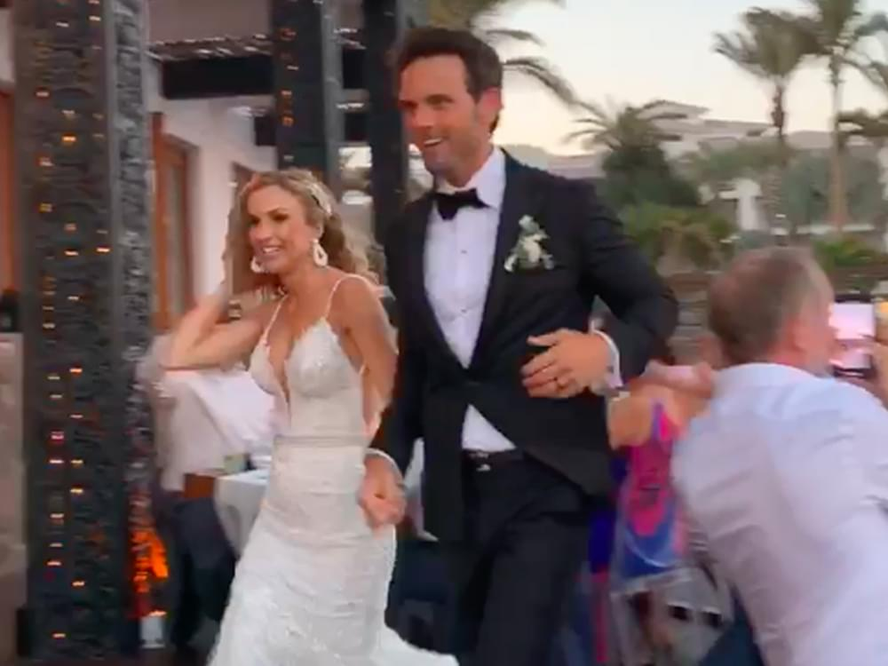 new style 24926 741f9 Chuck Wicks and Kasi Williams Get Married [Watch Exclusive ...