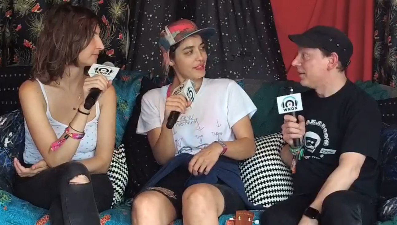 Lolla 2017 – Backstage with Warpaint