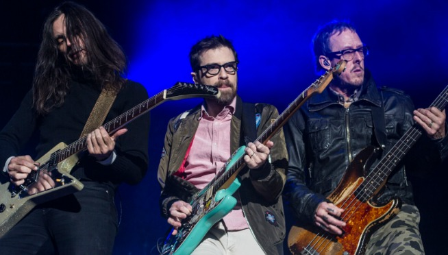[UPDATED] Weezer covers Toto.  First, Rosanna.  NOW….the one fans have been hoping for.