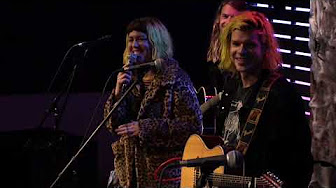 "Grouplove Interview: ""New Baby/Surfing"""