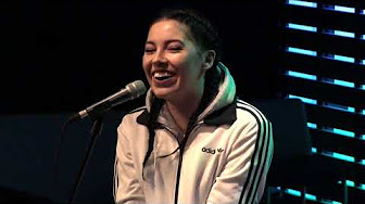 """Bishop Briggs Interview: """"Relationship With Music/Reading Dreams"""""""
