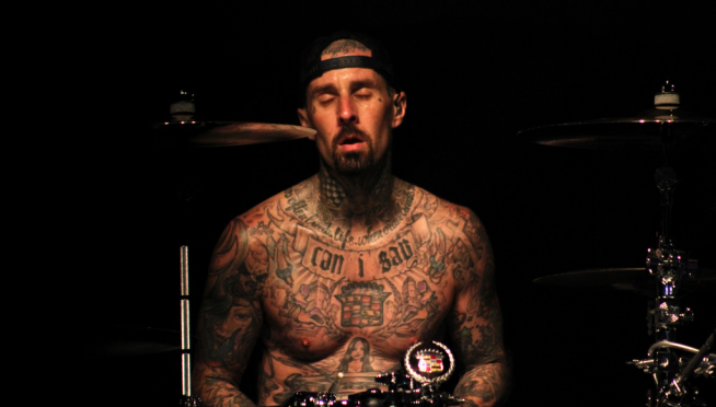 """Blink-182's Travis Barker is teaming up with """"Old Town Road"""" rapper Lil Nas X"""