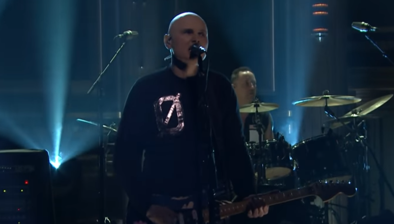 Smashing Pumpkins play new song on 'Tonight Show'