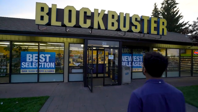 What does the last Blockbuster have that Netflix does not?