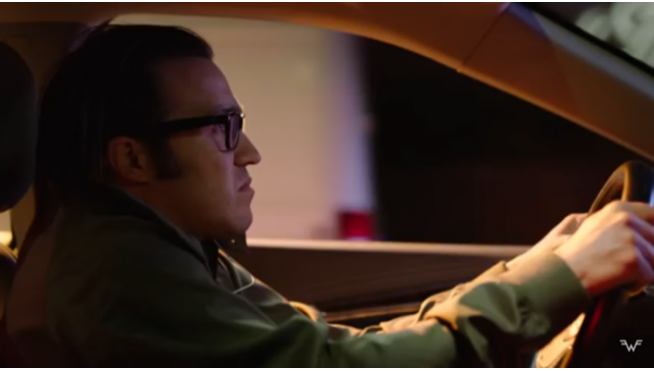 Pete Wentz drives in new Weezer video!