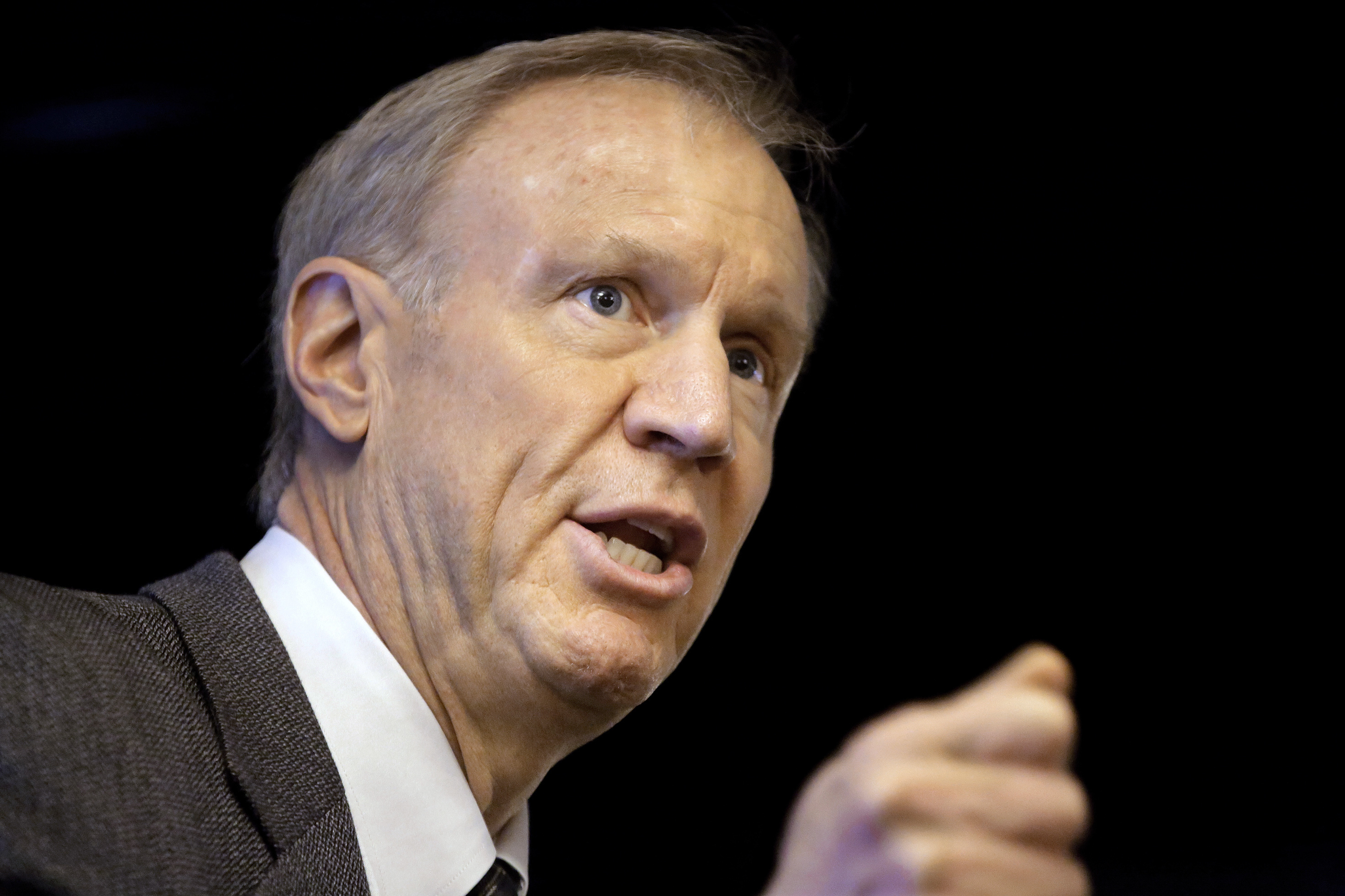 "Rauner on Madigan lawsuit: "" I hope they get to the truth of it"""
