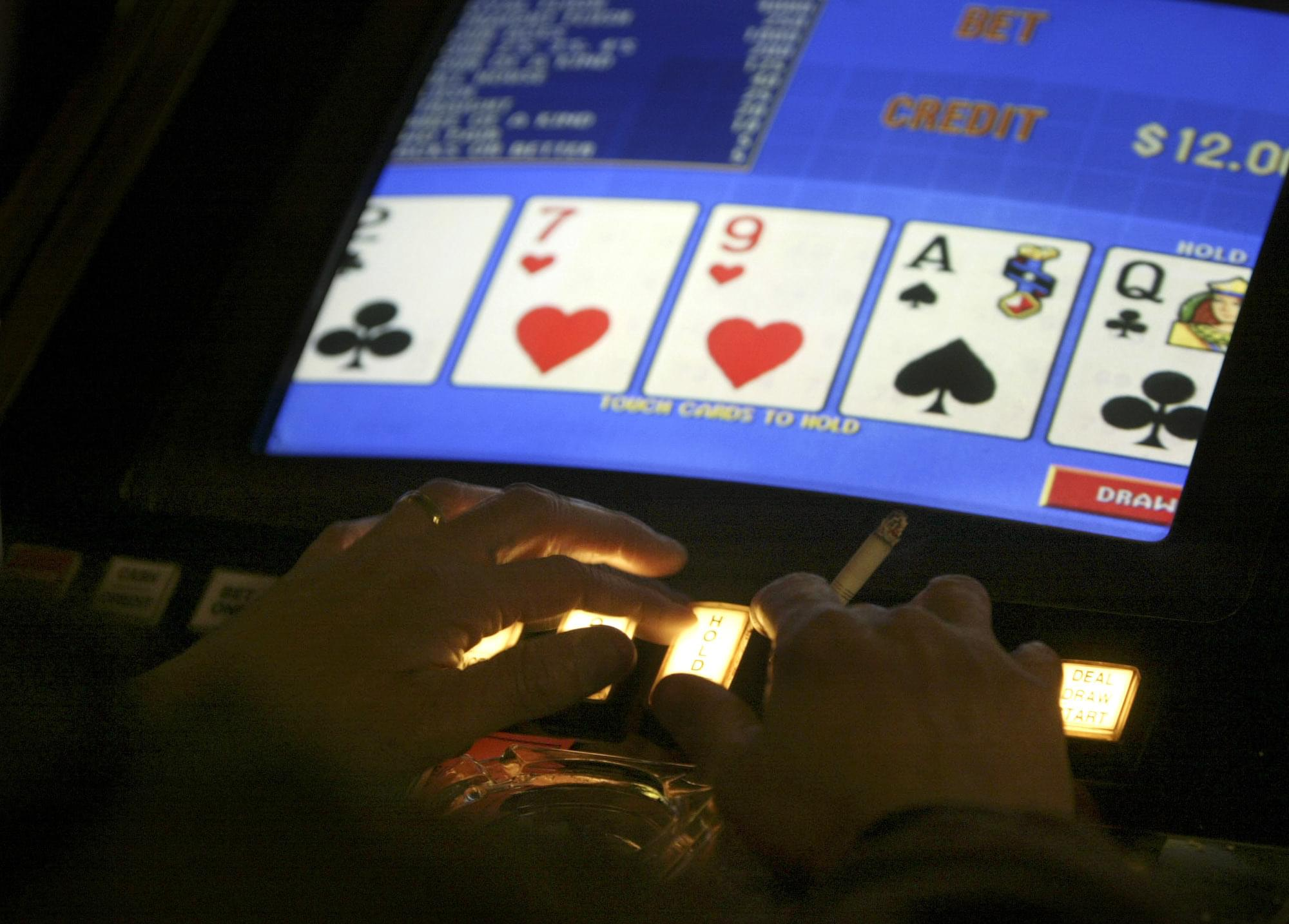 Alderman debate if sweepstakes terminals are unlicensed casinos