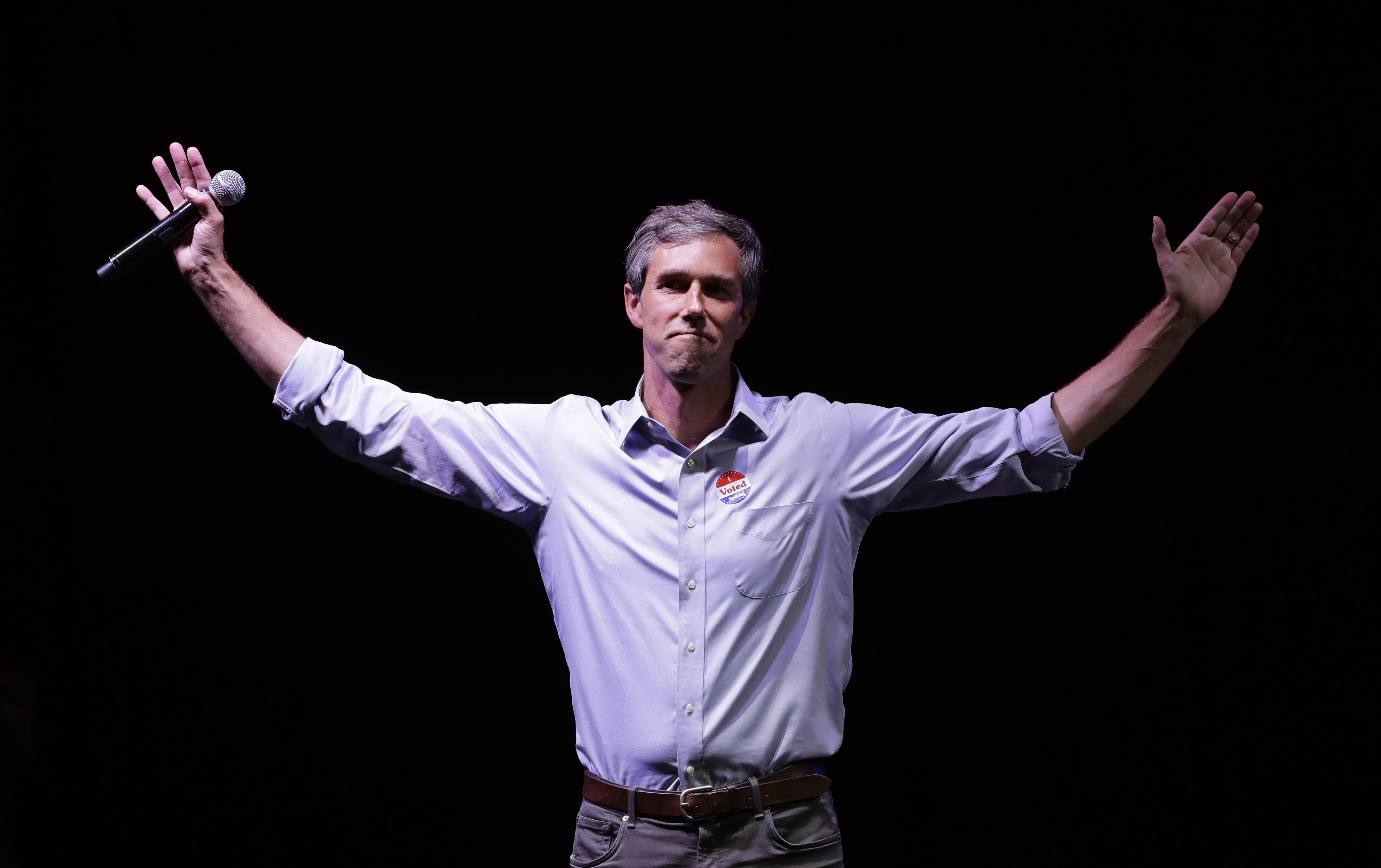 Beto O'Rourke lands big Obama fundraiser — but many elite donors are playing the field in 2020