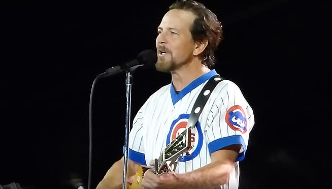 Eddie Vedder single to be given out with Chicago Cubs tickets