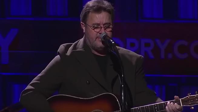 Vince Gill says playing with the Eagles still a 'pinch me' moment