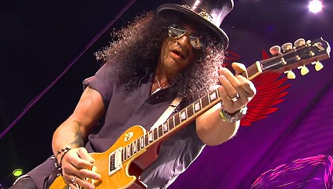 Check out Slash's new solo track: 'Mind Your Manners'