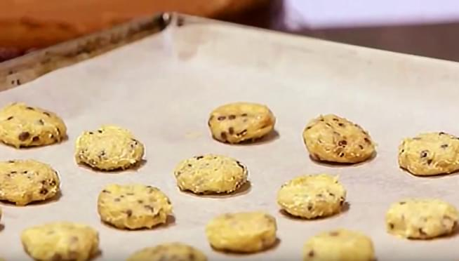 CDC reminds us to not eat raw cookie dough