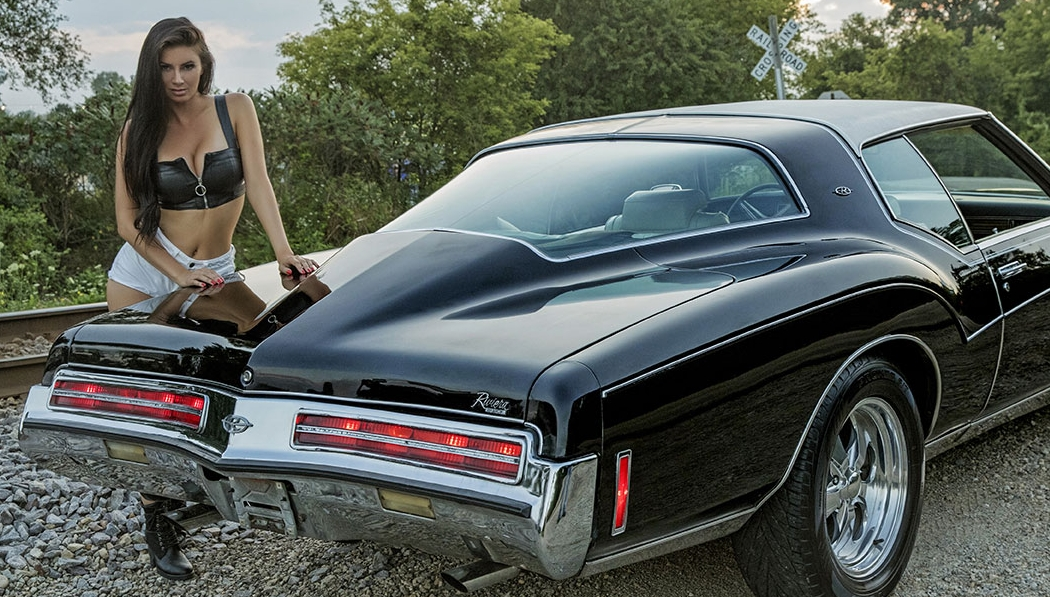 Classic American Muscle Car Engines Big Block Chevrolet Engine In Vintage Muscle Car Editorial