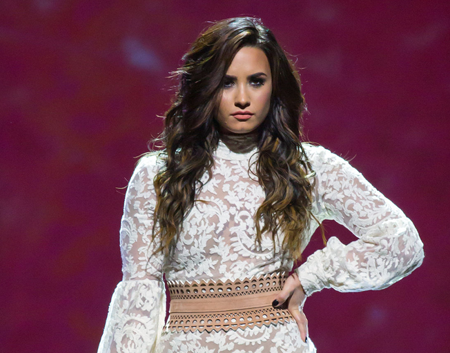 Demi Lovato Thanks BFFs for 'Never Leaving Me in My Darkest Moments'