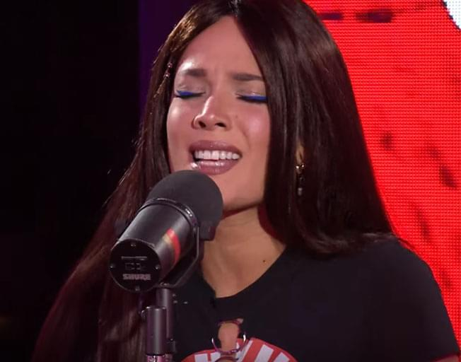 Holy Moly, Halsey's 'Sucker' Cover Is Incredible And Jonas Brothers Approved [VIDEO]