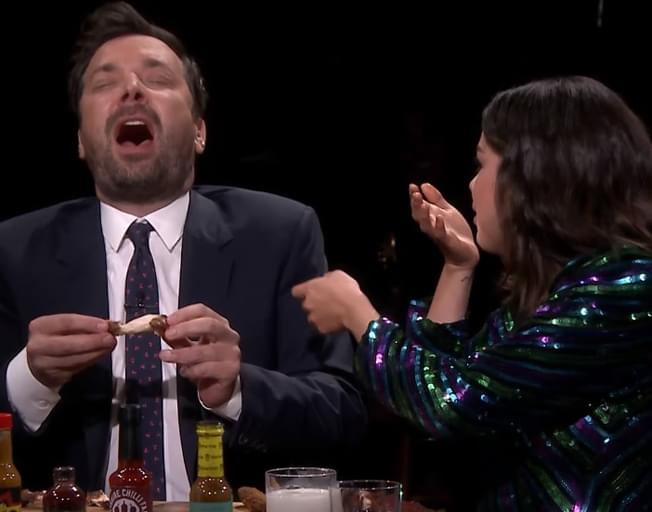 Selena Gomez And Jimmy Fallon Cry While Eating Hot Wings [VIDEO]