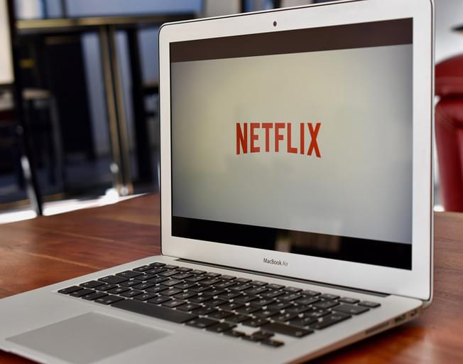 Cars Will Soon Be Able To Stream Netflix and YouTube