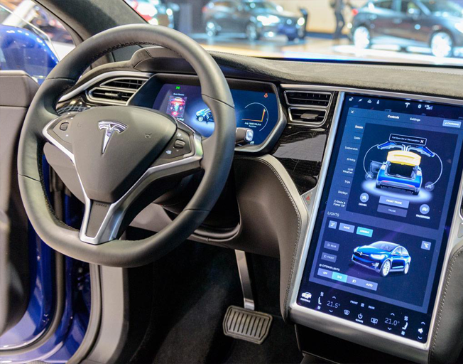 Tesla To Add Netflix And Youtube Streaming To Cars 101 5 Wbnq Fm