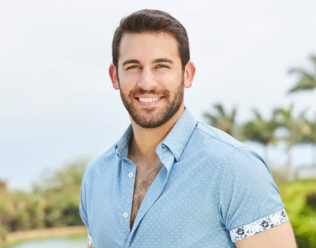 People Want Derek Peth To Be The Next Bachelor