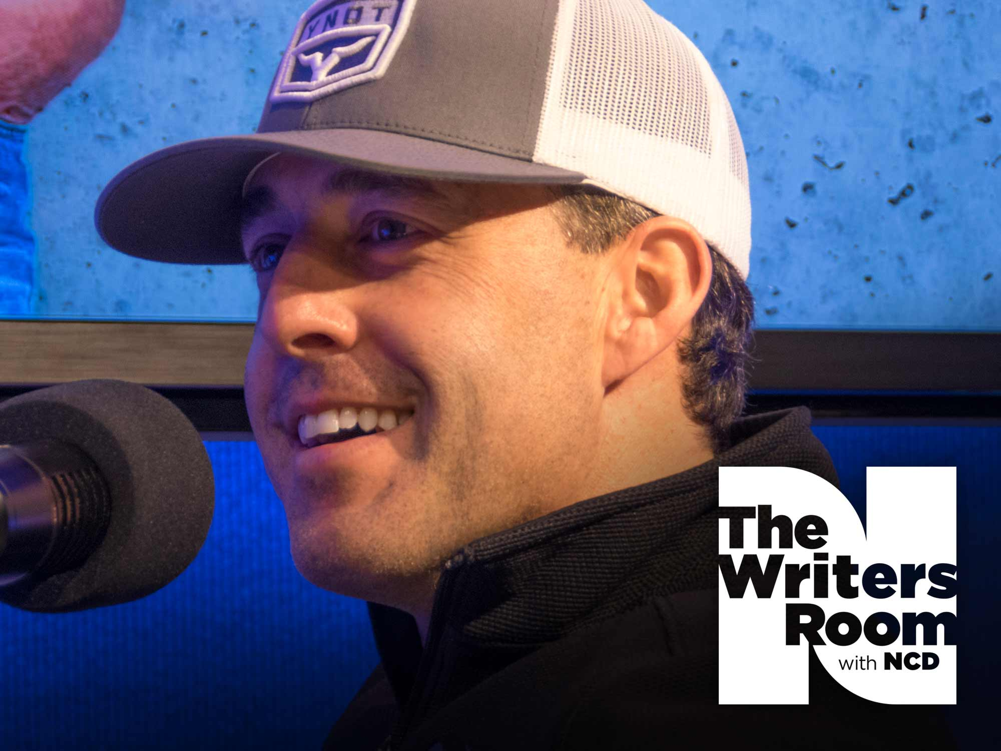 "Aaron Watson Talks About the ""Healthy Chip"" on His Shoulder, Making Independent Music & His New Album, ""Vaquero"""