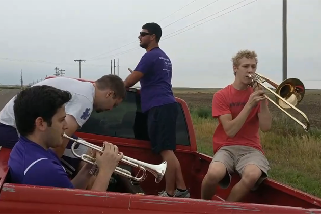 "Truck Bed Band Plays ""Wabash Cannonball"" While Stranded [VIRAL VIDEO]"